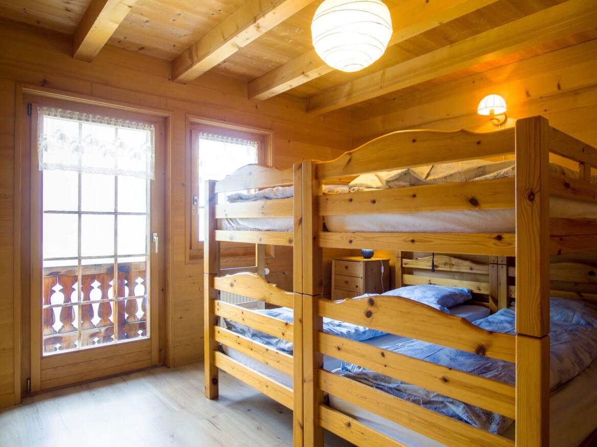 Chambre du haut du chalet de location l'Anta Rousa à Champéry